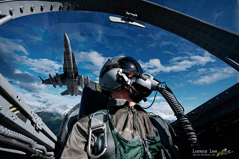 annuaire photographes suisse romande, lorens-lee-pilot-cockpit-fighter - http://www.spiritofmovie.com - Lorens Lee de Genève