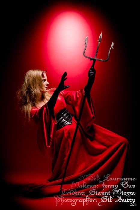 annuaire photographes suisse romande, Rouge Diabolique - www.pourlesyeux.ch - Pourlesyeux de Genève