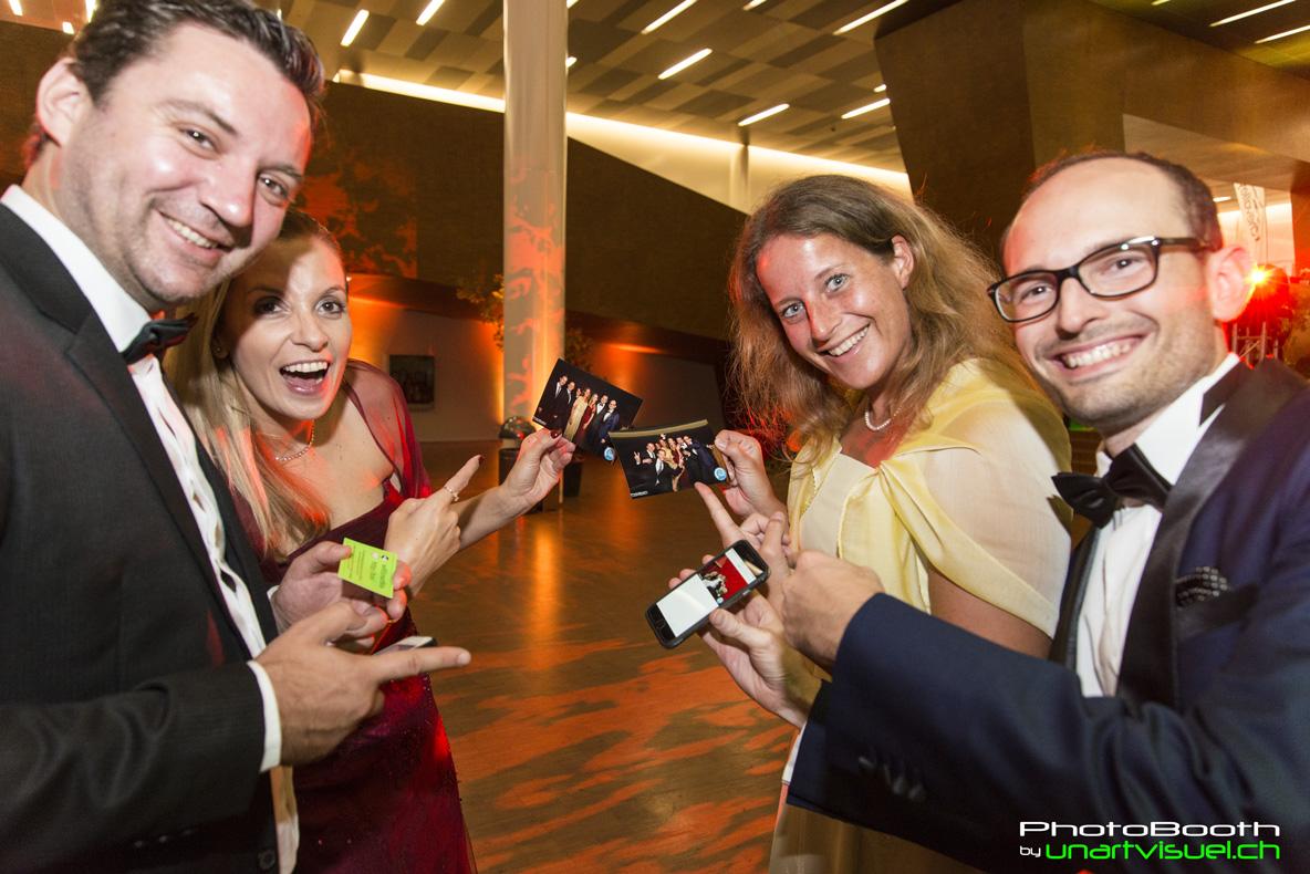 annuaire photographes suisse romande, Nouveau, le PhotoBooth by unartvisuel.ch, tout pour le partage immédiat lors de votre événement - http://unartvisuel.ch - unartvisuel de Genève
