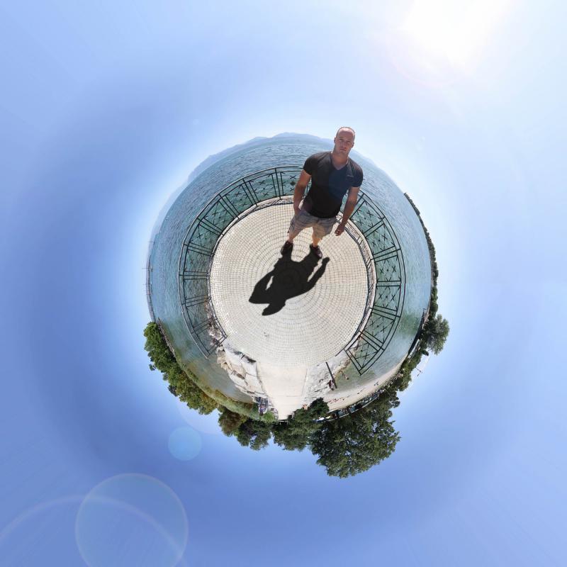 annuaire photographes suisse romande, Little Planet - Morges - http://www.photoshoot.ch - Séb de Lausanne