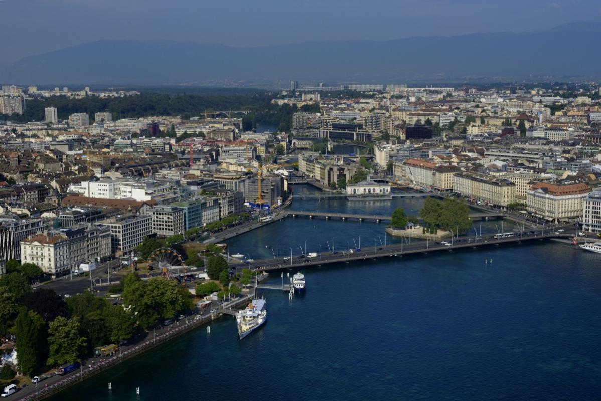annuaire photographes suisse romande, La Rade de Genève avec le Pont du Mt.Blanc - http://www.highflycam.com/ - HighFlyCam de Genève