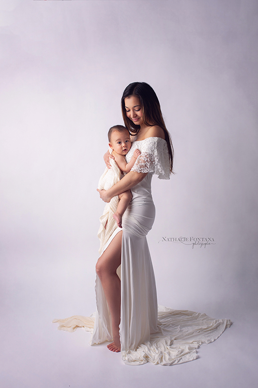 annuaire photographes suisse romande, Séance bébé 5 mois - le petit Eyden avec sa maman - pour immortaliser cette relation si particulière - http://www.nathaliefontana.ch - Nathalie Fontana de Genève