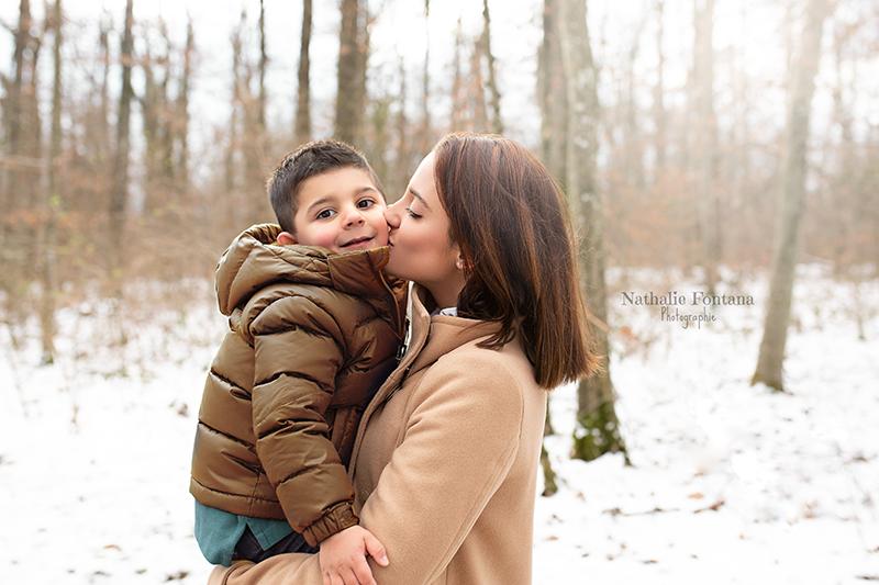 annuaire photographes suisse romande, Séance photos de famille hivernale en extérieur - http://www.nathaliefontana.ch - Nathalie Fontana de Genève