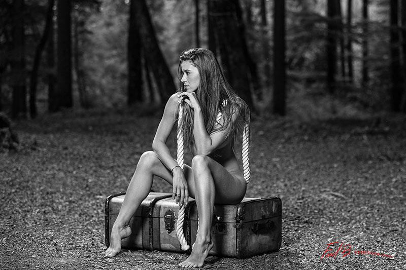 annuaire photographes suisse romande, nu dans les bois - http://www.fredphotographe.net - fredphotographe de st-cergue
