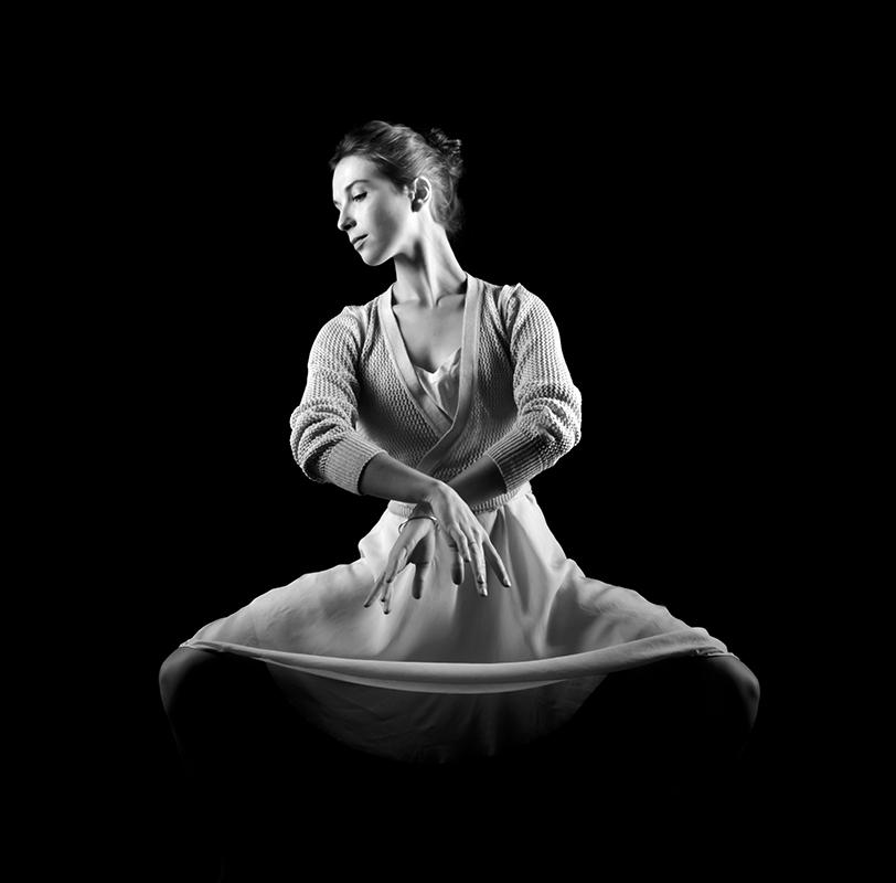 annuaire photographes suisse romande, Studio sur le thème de la danse. Modèle : Blanche - http://www.photoconcept.pictures - Daniel de Gland