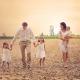 Séance photos de famille réalisée vers Hermance - dans la nature - nathaliefontana de Genève. Annuaire photographe