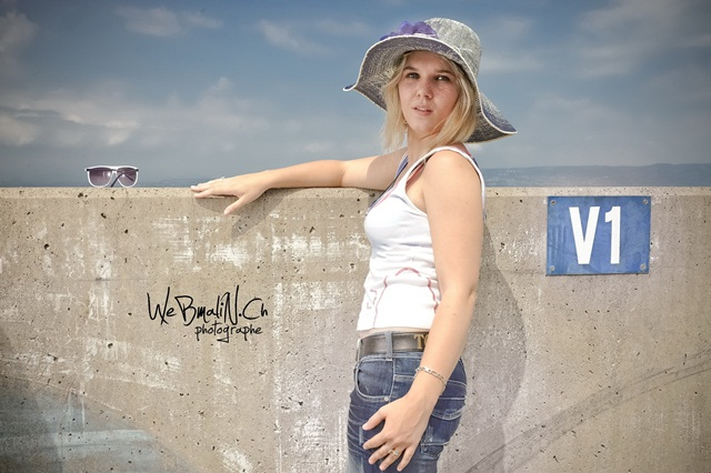 Elodie : , webmalin.ch, annuaire photo modele