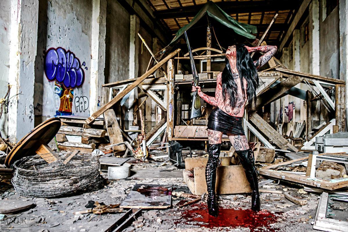 Nemesis :  killer girl, www.satyrography.com/art/horror-gore/ , annuaire photo modele