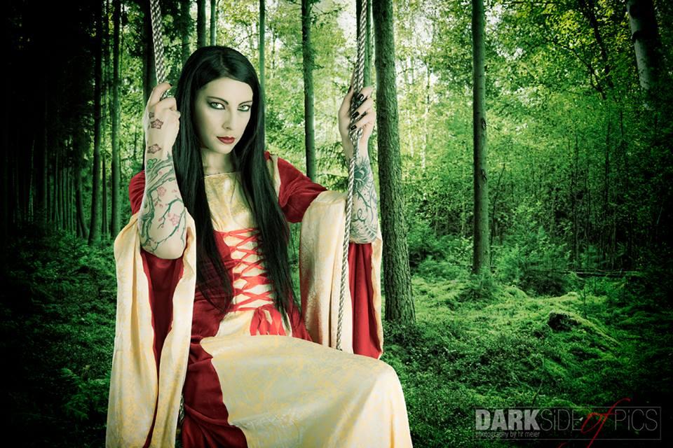 Nemesis :  gothique médiéval ,  www.darksideofpics.ch , annuaire photo modele