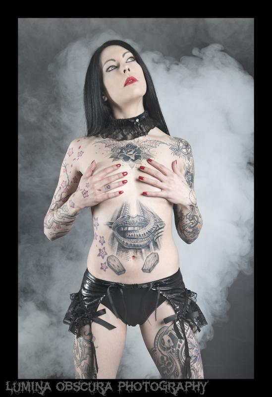 Nemesis :  fetish goth, ns:Lumina Obscura Photography, annuaire photo modele
