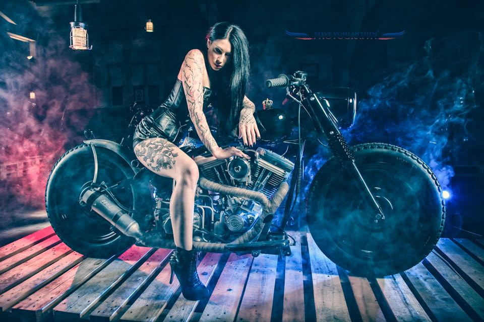 Nemesis :  Biker girl , ns:Steve Volanthen Photography, annuaire photo modele