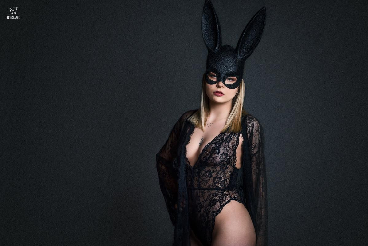 Swan :  Bunny Project, https://www.facebook.com/jerome.waweru, annuaire photo modele