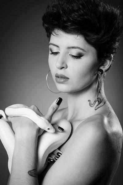 Safiria :  , https://www.pourlesyeux.ch, annuaire photo modele