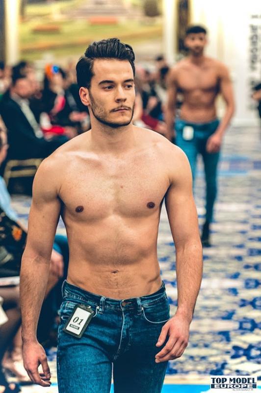 Fabian :  Fashion Show de TopModelEurope à Bruxelles, ns:Top Model Europe, annuaire photo modele