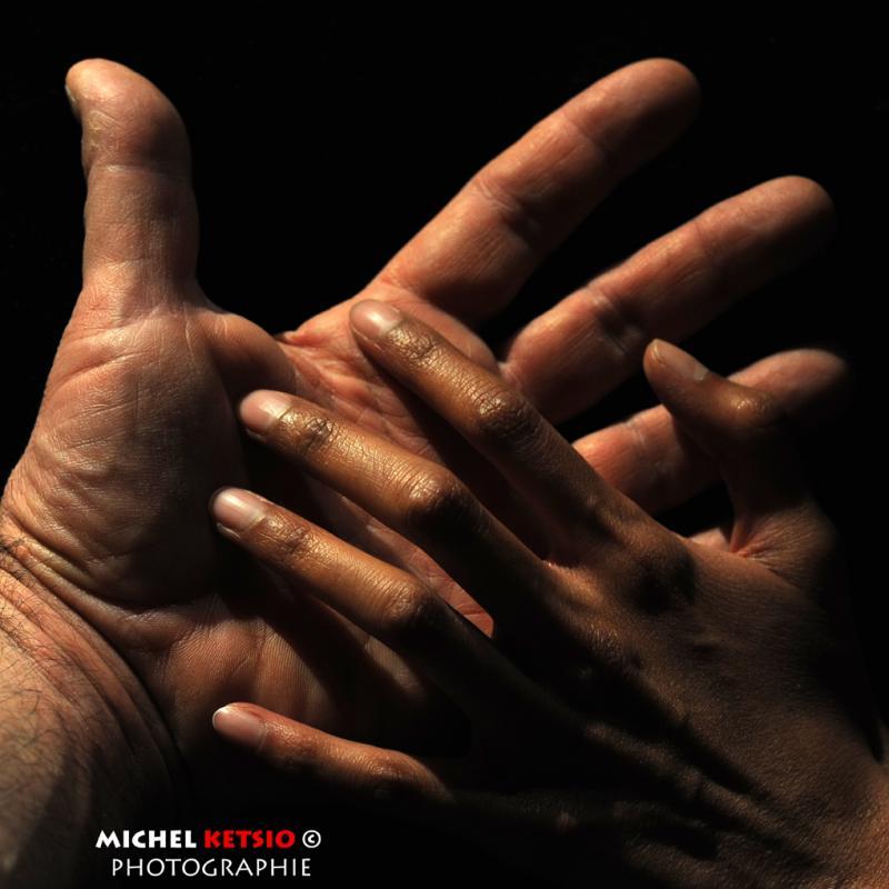 annuaire photographes suisse romande, Jeu de mains... avec Anne - 2013 - http://www.ketsio.com - Ketsio de Genève