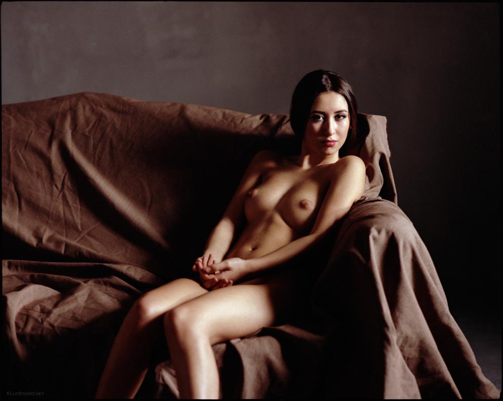 annuaire photographes suisse romande, Analog art nudes - film photography, femininity devoted - http://www.fabienqueloz.com - FabienQueloz de Neuchâtel