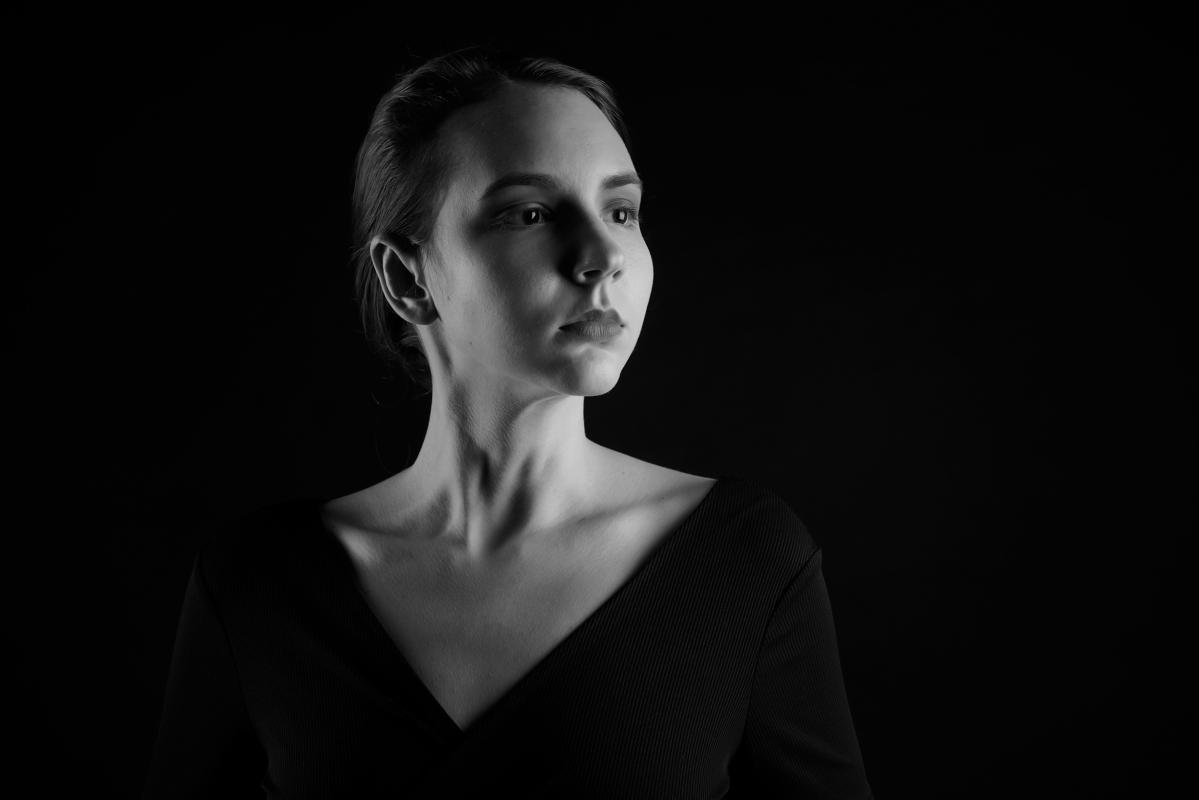 Aurélie Nydegger :  Black and White, https://www.artedox.com, annuaire photo modele